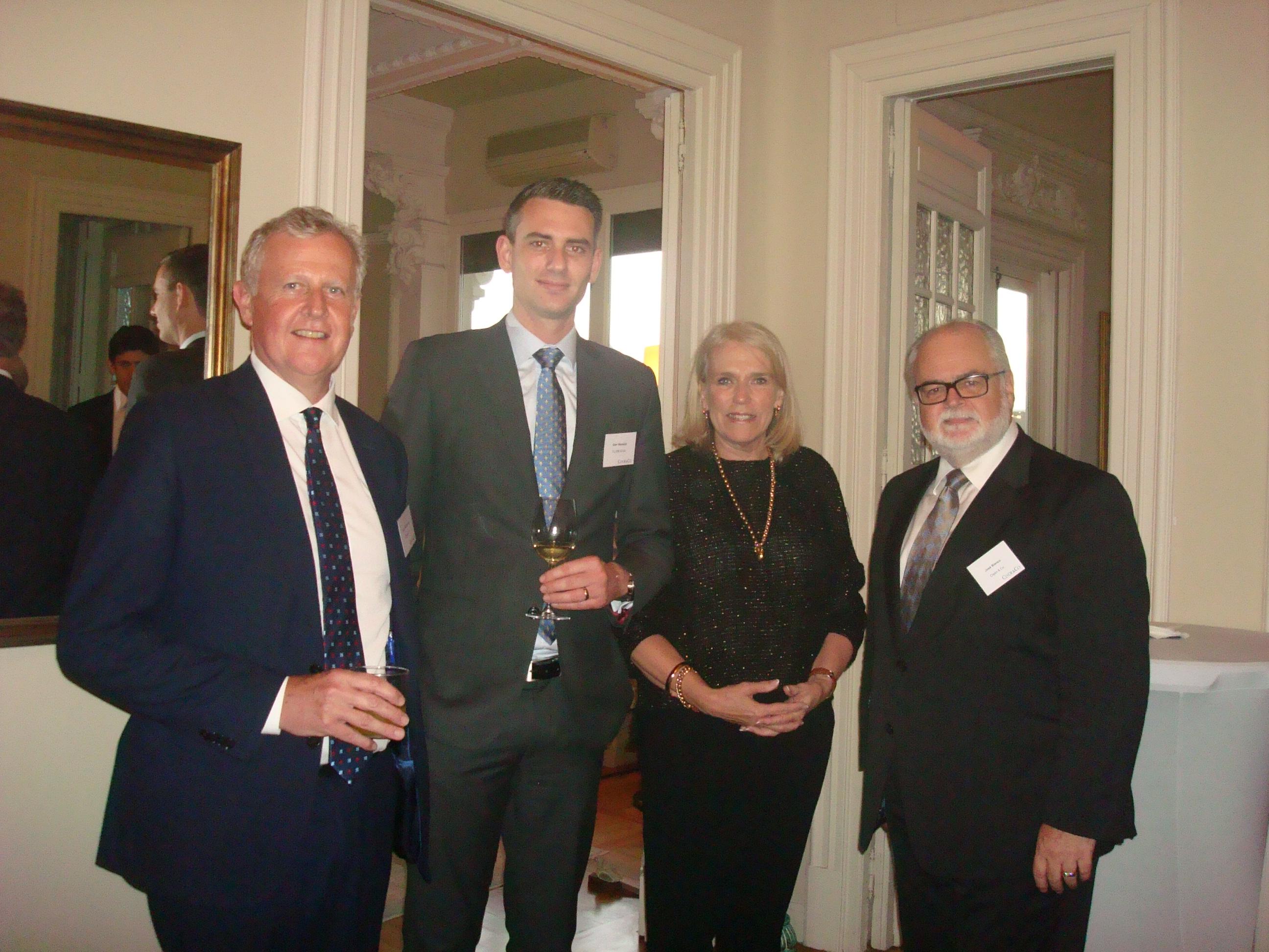 Fotos del cocktail del 25 de octubre celebrado en la residencia de la Embajadora de Australia y organizado conjuntamente entre Clyde &Co y ASBA