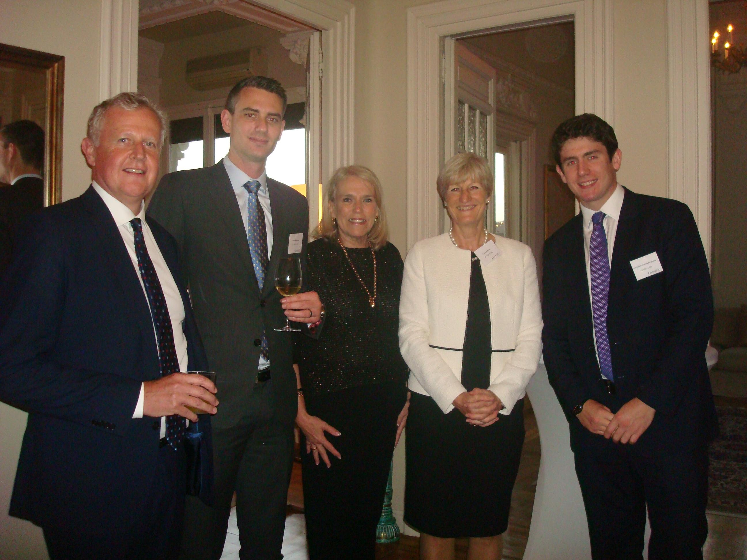 cocktail-del-25-de-octubre-celebrado-en-la-residencia-de-la-embajadora-de-australia-y-organizado-conjuntamente-entre-clyde-co-y-asba